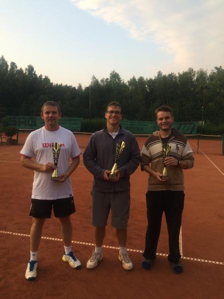zawody tenis panowie z pucharami 1