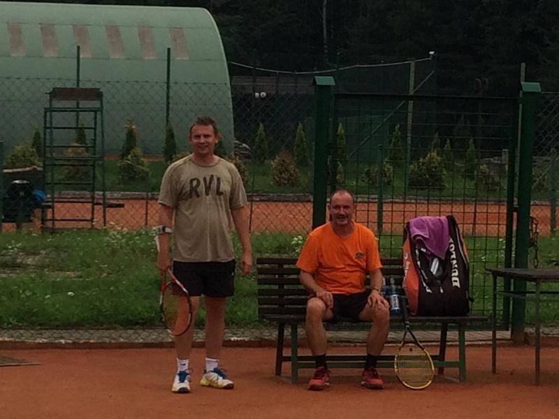 tenis panowie na korcie